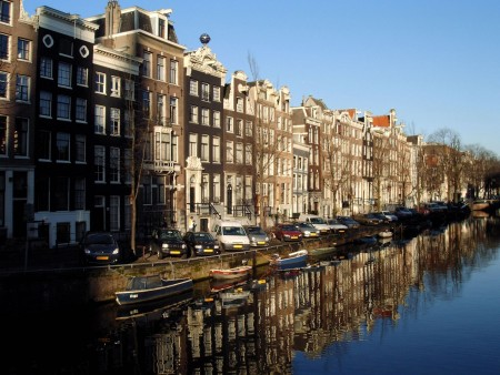 Canals are an essential part of many cityscapes throughout the Netherlands. Photo: Amsterdam Toerisme & Congres Bureau (ATCB)