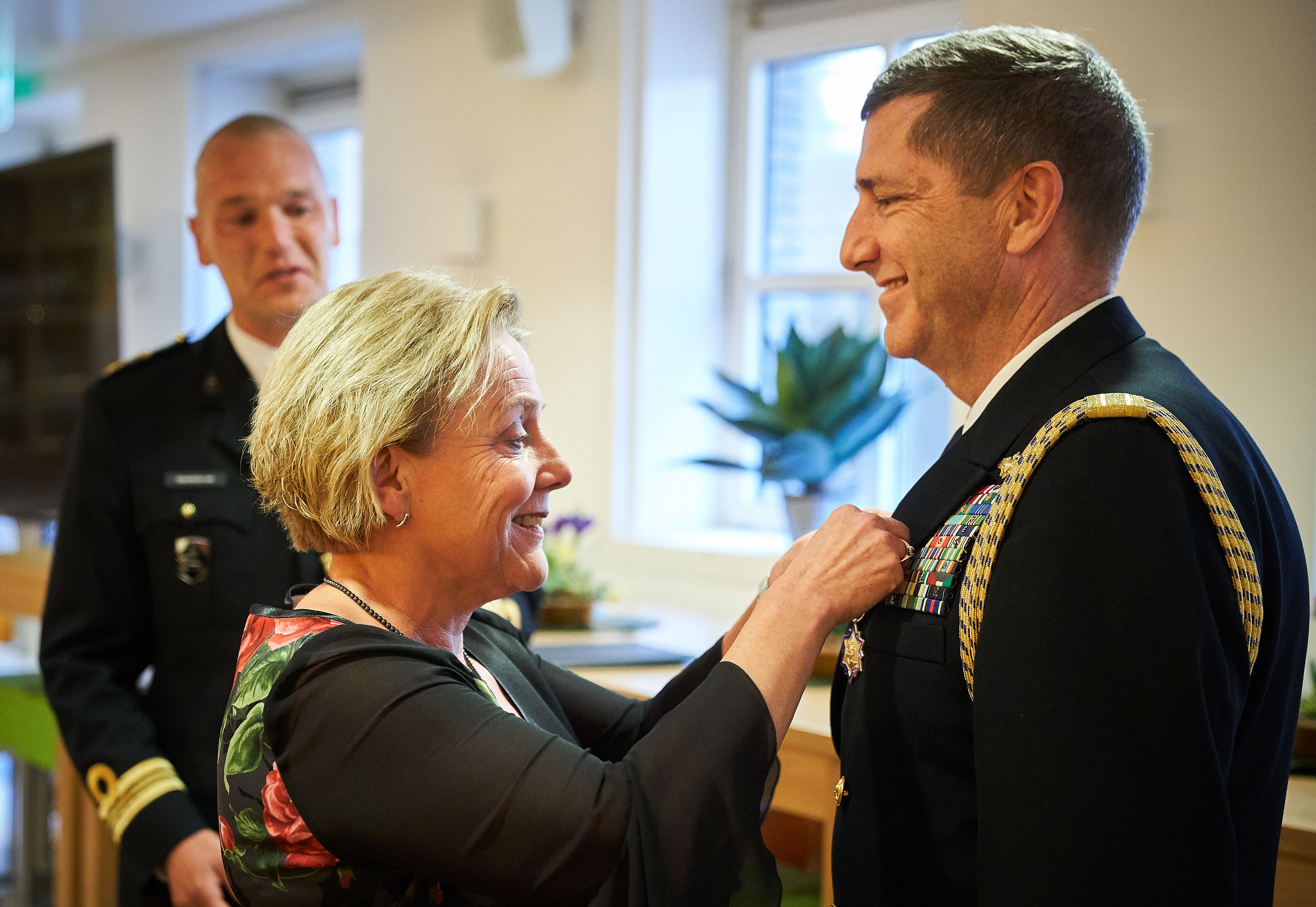 Netherlands Minister of Defense awards American Defense Attaché