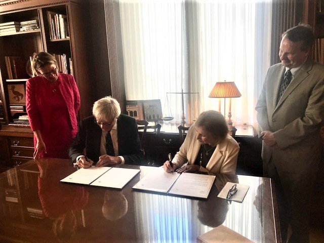 Law Library of Congress, Peace Palace Library agree to form information-sharing relationship